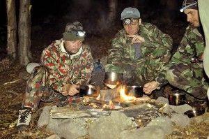 komunita v pri prežiti v prírode armytraining blog