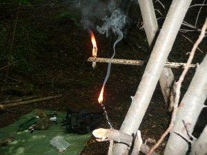 improvizovaná sviečka v prírode armytraining.sk