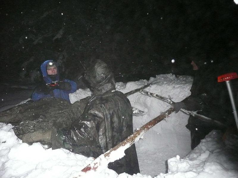 stavanie zimného záhrabu nakurze prežitia armytraining.sk
