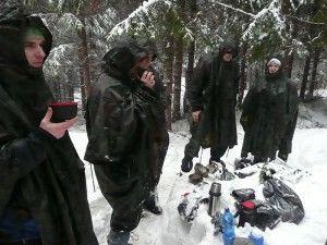 male občerstvenie na zimnom kurze prežitia armytraining.sk