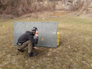 strelba z nizkeho krytu