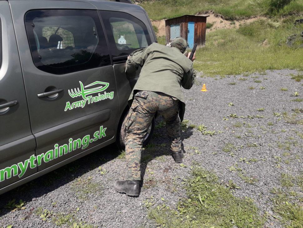 bezpečnost akrytie zaautom pri streľbe